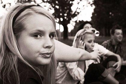 Los adolescentes europeos beben menos, aunque los niveles de consumo de alcohol siguen siendo peligrosamente altos