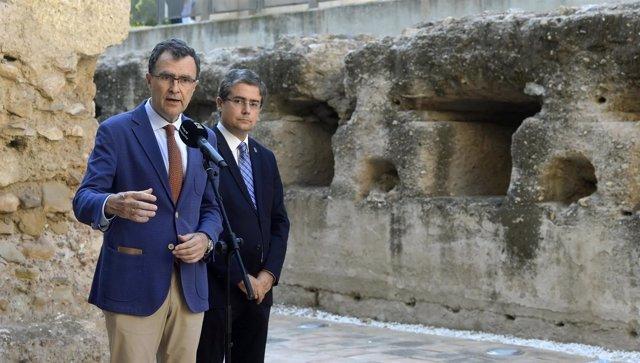 Ballesta con Pacheco en presentación itinerario Muralla Árabe