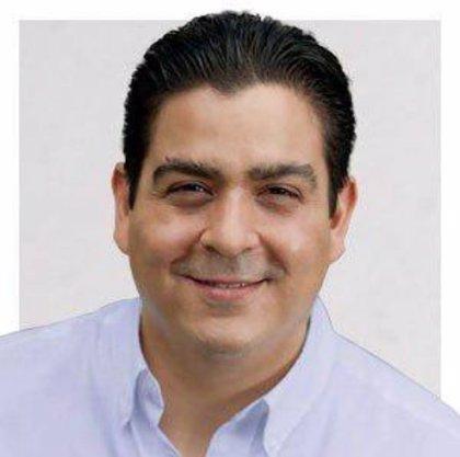 Pillan a un senador mexicano chateando sobre sexoservicio en la Cámara Alta