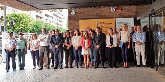 Minuto de silencio por las víctimas de violencia de género de Castelló