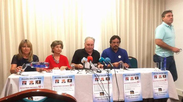 Rueda de prensa del sindicato médico O'Mega en Santiago.