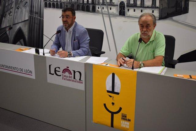 Llamas y Bandera durante la presentación de las Fiestas de San Froilán. 26-9-18