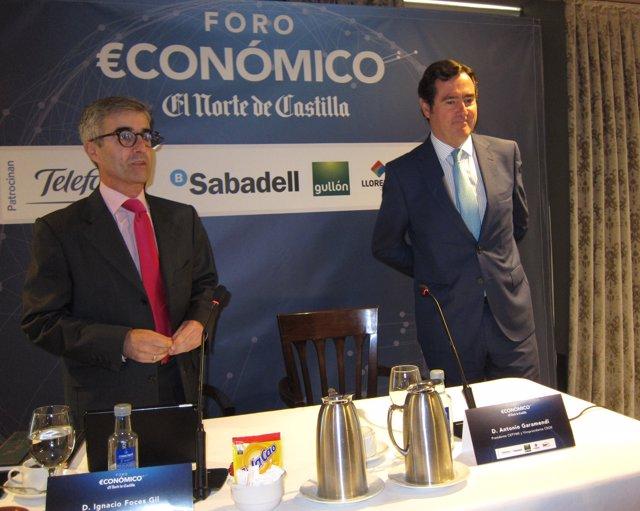 Antonio Garamendi (dcha) en el Foro Económico de El Norte. 26-9-18