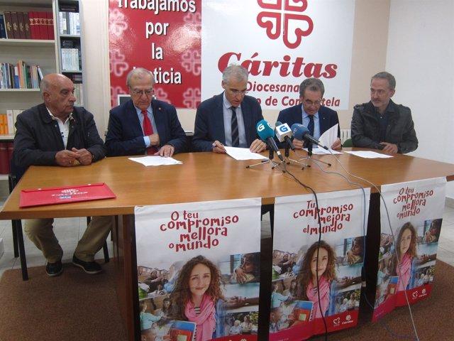 El conselleiro de Economía, Francisco Conde, en un acto con Cáritas y Cruz Roja