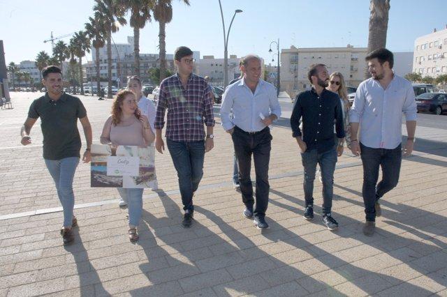 El presidente de Nuevas Generaciones en Andalucía, Kike Rodríguez, en Cádiz