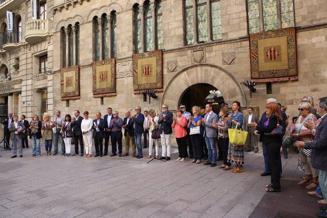 Concentración en Lleida contra asesinatos machistas en toda España
