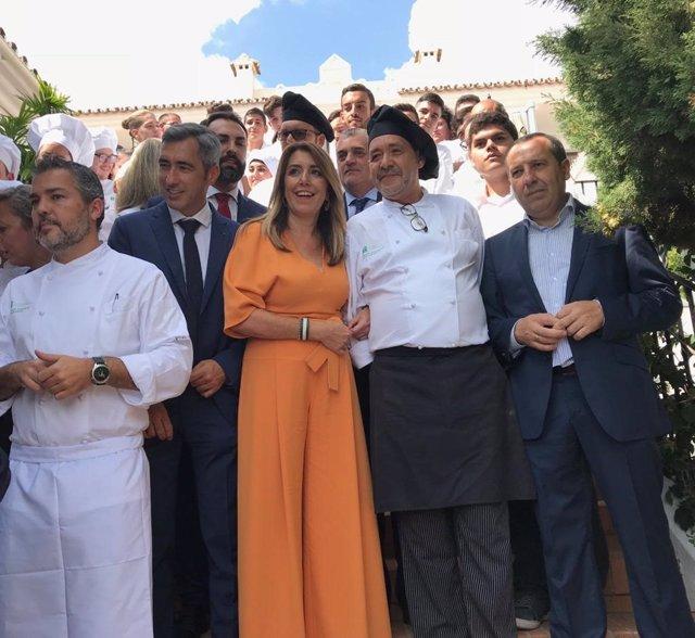 Susana Díaz en la escuela de hostelería La Fonda de Benalmádena con victor navas