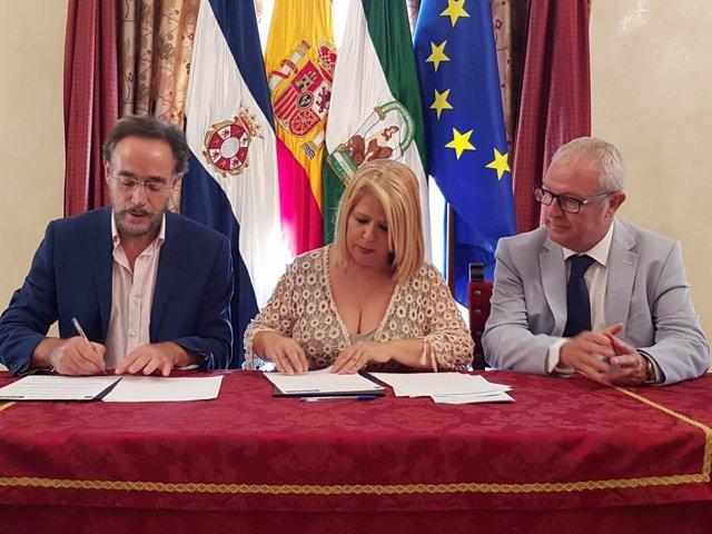 El consejero de Fomento, Felipe López, y la alcaldesa de Jerez, Mamen Sánchez