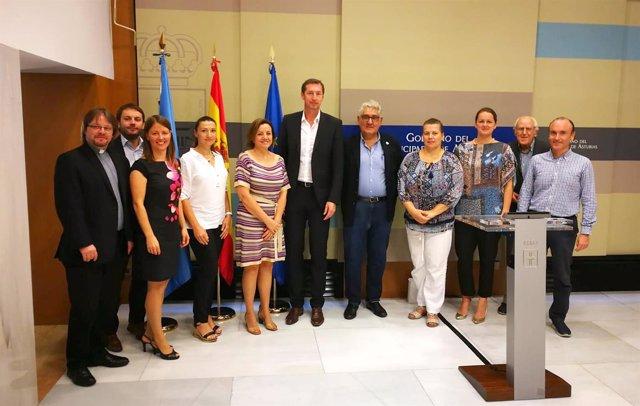 [Grupoasturias] Np Y Foto Visita Delegación Eslovaca De Patrimonio