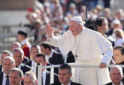 El Papa pide en un histórico mensaje a católicos de China que permanezcan unidos superando las divisiones del pasado