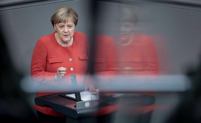 Angela Merkel ante el Bundestag
