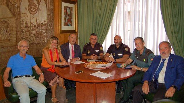 Reunión del Colegio de Médicos, Policía y Guardia Civil por agresiones a médicos