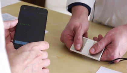 Un dispositivo móvil previene el riesgo de ictus para concienciar sobre la fibrilación auricular
