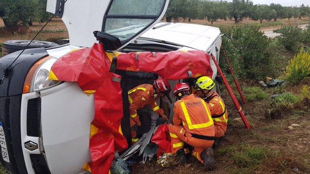 Los bomberos intervienen en el rescate de Moixent