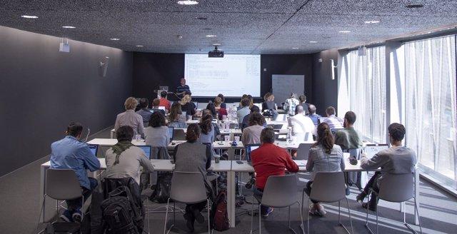 Clase de la escuela de verano de bioinformática para jóvenes investigadores