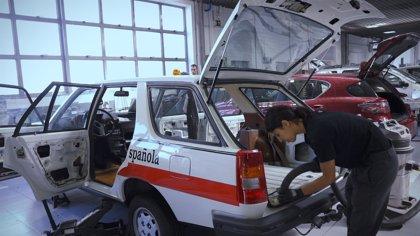 """Cruz Roja y Renault restauran el primer """"coche médico"""" para homenajear a sus voluntarios"""