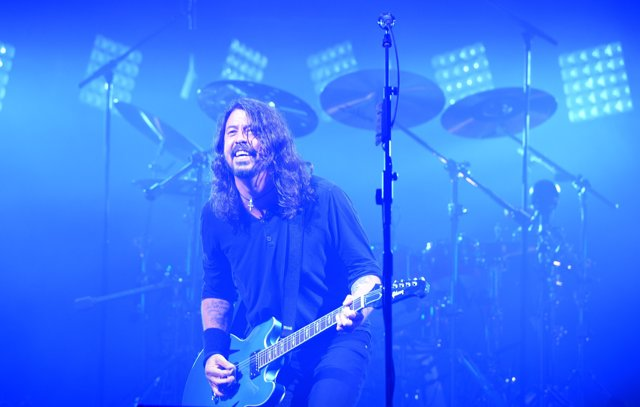 Dave Grohl of Foo Fighters performs on The Pyrmaid Stage at the Glastonbury Fest