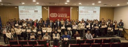 La Fundación ONCE lanza una convocatoria de 54 becas dirigidas a universitarios con discapacidad