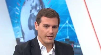 """Rivera afirma que el Gobierno de Pedro Sánchez """"hace aguas"""" y exige que Duque y Delgado """"den la cara"""" en el Congreso"""