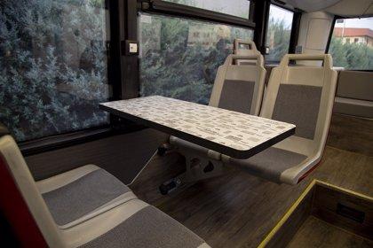 Viena Capellanes transforma un autobús de la EMT en una cafetería