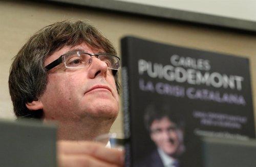 Puigdemont Durante La Presentación En Bruselas Del Libro La Crisis Catalana