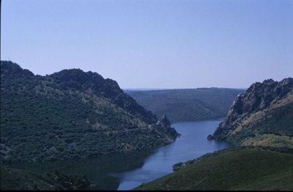 Extremadura presenta su oferta de turismo de naturaleza en la primera edición de Naturcyl, en Castilla y León