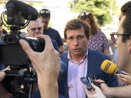 """Almeida lamenta que PSOE """"diluya su marca"""" en Madrid """"en beneficio de Carmena"""", lo que """"pagarán duramente en elecciones"""""""