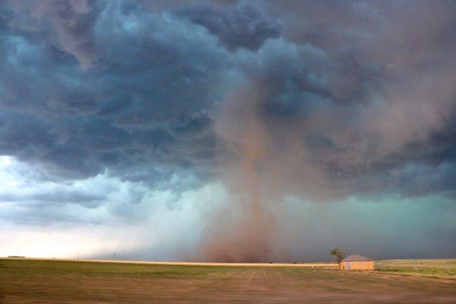 Gustnado, fenómeno similar a un tornado