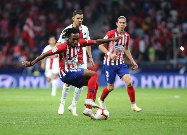Gelson Martins en el partido Atlético-Huesca