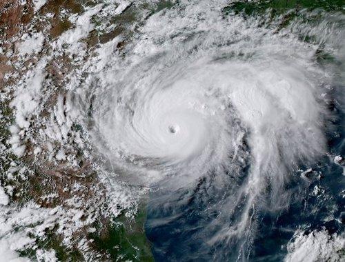 Huracán Harvey tocando Texas