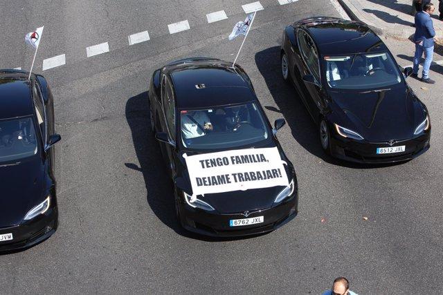 Manifestación de conductores de vehículos de alquiler con conductor (VTC) en Mad
