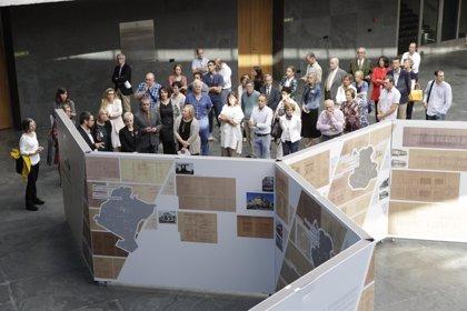 El Parlamento de Navarra acoge una exposición de homenaje a los arquitectos Arraiza, Esparza y Gaztelu