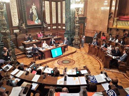 """Colau pide a Buch que rectifique y destine más Mossos a Ciutat Vella: """"Tiene la cabeza en otra parte"""""""