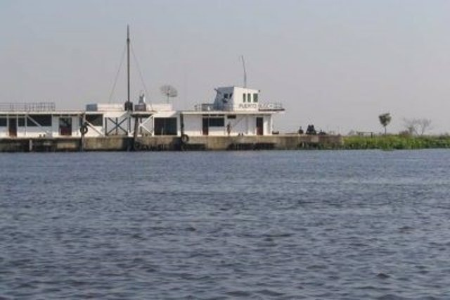Puerto Busch, en el río Paraguay.