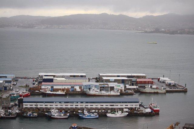 Temporal en Vigo,flota amarrada, barcos en puerto