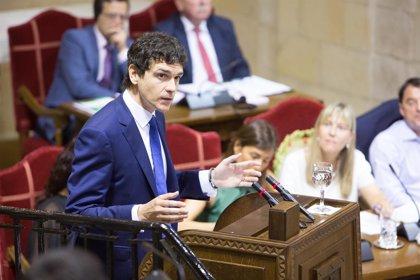 El diputado general de Bizkaia exige al resto de comunidades autónomas cupos para los menores extranjeros no acompañados