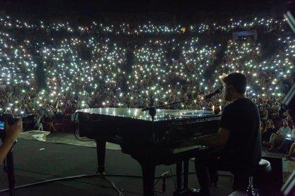 """Pablo López y su piano llevan al """"éxtasis"""" al Teatro Romano de Mérida en su concierto del 'Stone&Music' Festival"""