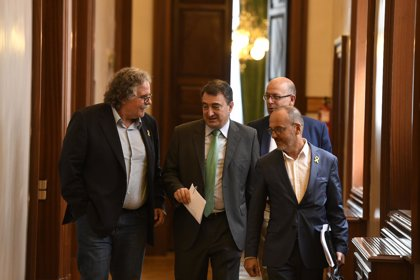 Los partidos pequeños se quejan de que el CIS elimine a sus portavoces del ránking de líderes