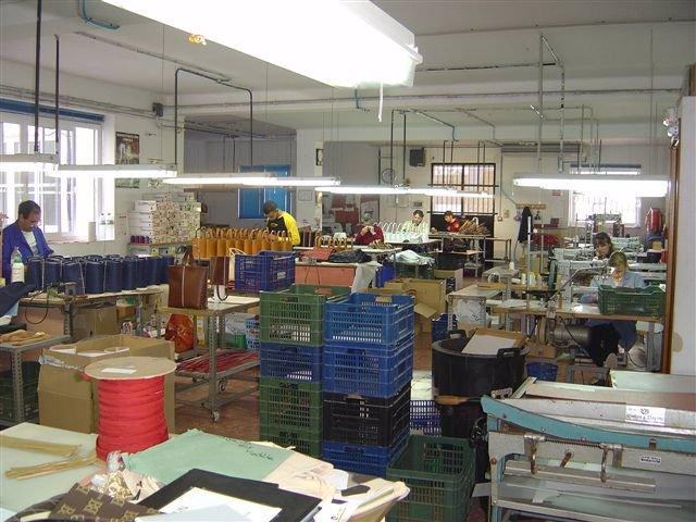 Trabajo En Una Fábrica De Piel De Ubrique (Cádiz)
