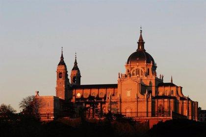 """Arzobispado sobre enterrar a Franco en la Almudena: """"El compromiso de la Iglesia es dar entierro cristiano a bautizados"""""""