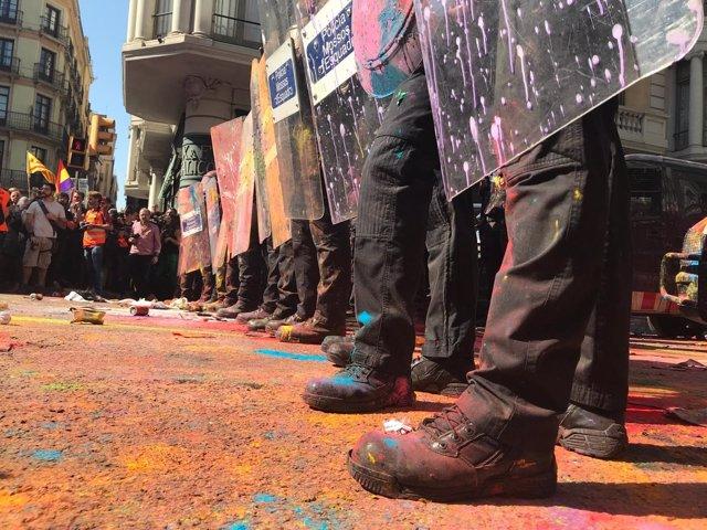 Cordón policial en la manifestación de la izquierda independentista