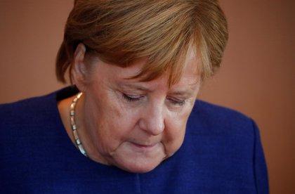 """Merkel lamenta que en Alemania sigue habiendo """"mucho antisemitismo"""""""