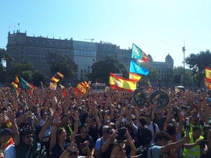 Tensión en la plaza Cataluña de Barcelona al final de la manifestación de Jusapol