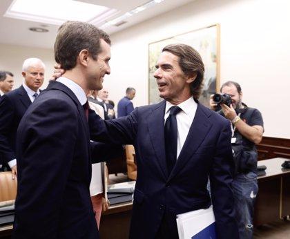 """Aznar pide al PP volver a ser """"reconocible"""" para no ser un partido """"desahuciado"""" ante el auge de Cs"""
