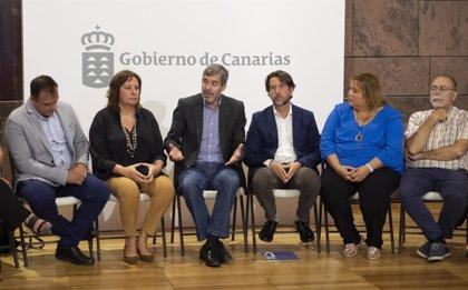 Clavijo recibe a la CEAPA para conocer las propuestas y reivindicaciones de los padres de los alumnos