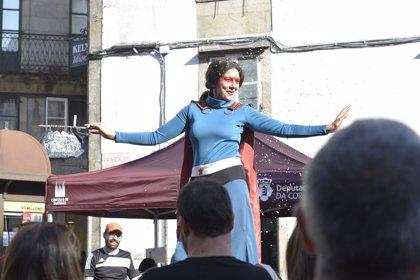 """El Festival Rosalía de Santiago reivindica la """"superheroína"""" de la cultura gallega con talleres de rap y 'graffitis'"""