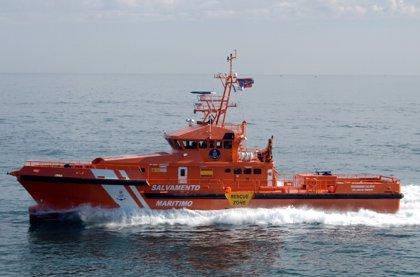 Rescatadas 342 personas de siete pateras este sábado en el mar de Alborán