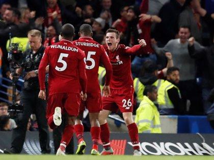 El Liverpool comparte liderato con el City tras empatar en Stamford Bridge