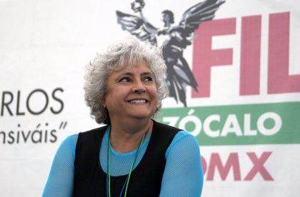 Laura Esquivel, autora de 'Como agua para chocolate', cumple 68 años