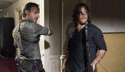 """Daryl no será el nuevo líder en The Walking Dead: """"No puede haber un nuevo Rick"""""""